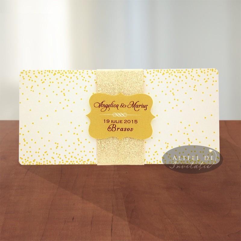 Invitatie nunta Sampanie si papioane cu manson glitter si eticheta decupata cu numele mirilor - Altfeldeinvitatii
